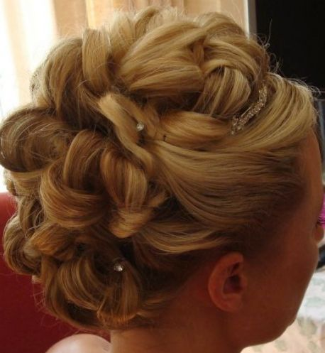 Wedding updo hairstyles for medium length hair pictures 4